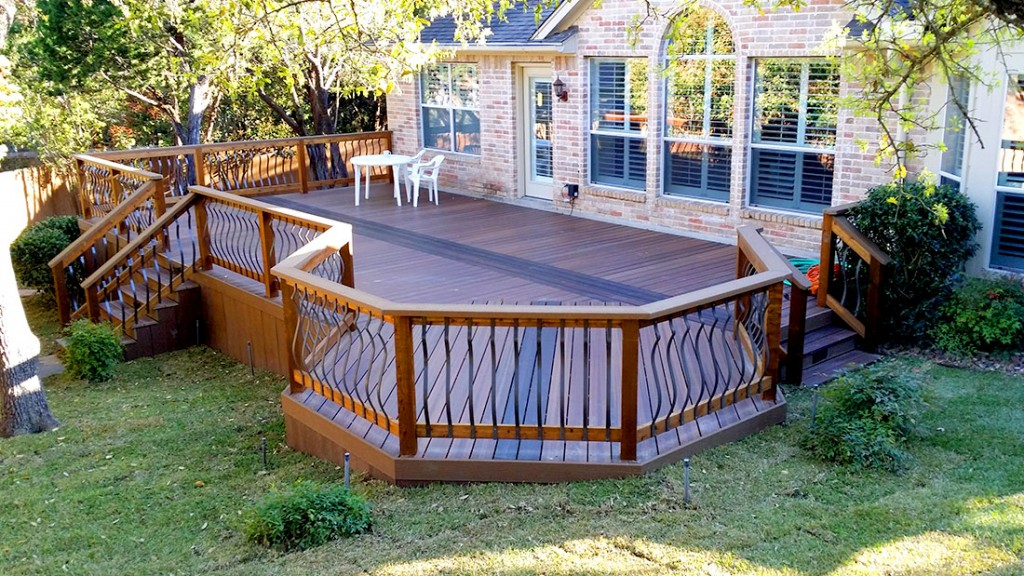 Octagonal Shaded Composite Deck