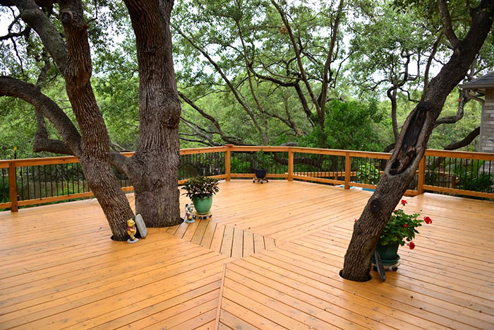 Elegant Stained Deck Compliments Yard